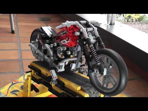 Vidéo LEGO Technic 8051 : La moto