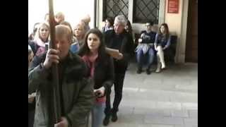preview picture of video 'Coro di San Leonardo. Pellegrinaggio Votivo a Castelmonte.'