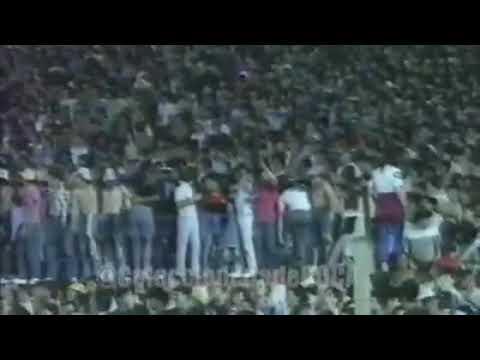 """""""La inolvidable y Increible Entrada de la Barra de Jose en Cancha de Independiente Año 89"""" Barra: La 12 • Club: Boca Juniors • País: Argentina"""