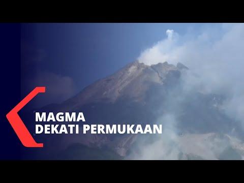 magma merapi dekati permukaan warga diminta waspada