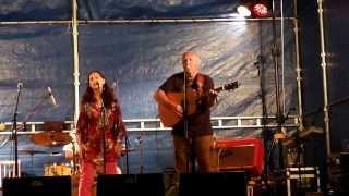 Video Stráníci - První sníh na bezva festivalu Setkání v Herálci 2013