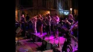 """MinAfric Orchestra guests Nabil in """"Fogh in Nakhal"""" (trad.)"""