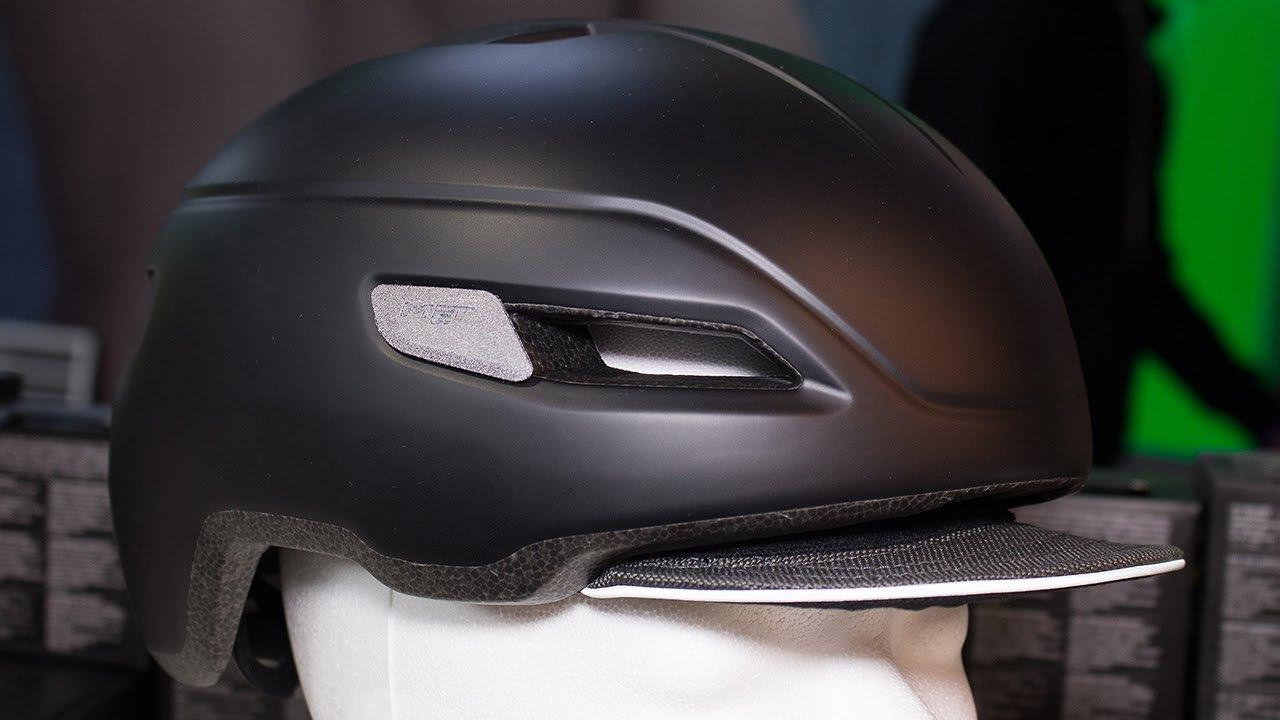 Видео Шлем MET Corso Garnet Red (матовый)