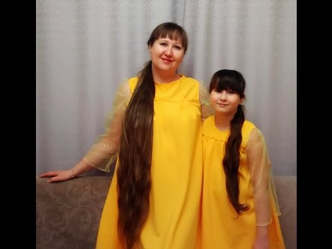 Песня на 8 марта - дуэт мамы и дочки.