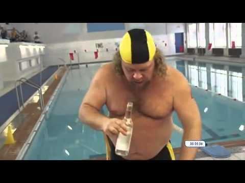 Đây là cách các anh ấy thi bơi...