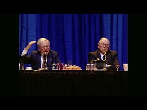 Warren Buffett & Charlie Munger: Financial Weapons of Mass Destruction (2007)
