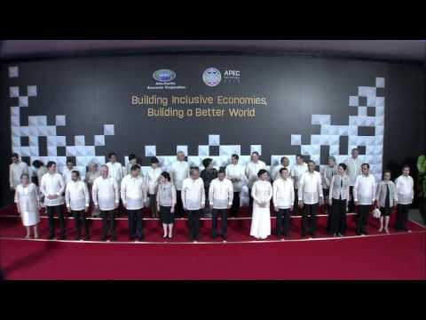 APEC Leaders' Family Photo at the welcome dinner (Photos ...
