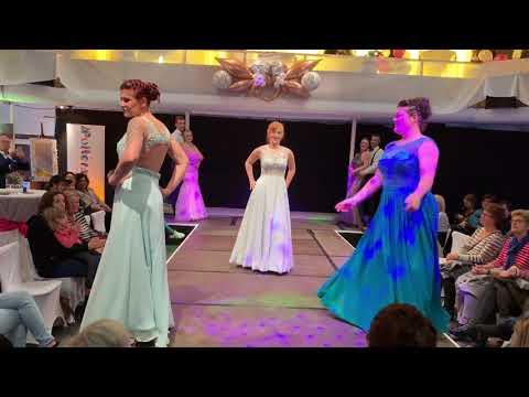 Modenschau auf der Hochzeitsmesse von Amend White&Night 2018 ABENDKLEIDER