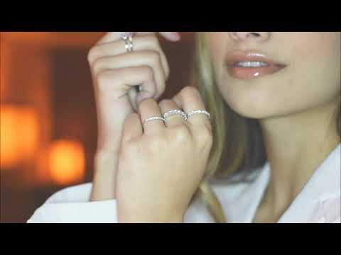 Alianza CyC colección Everyday air con diamantes en oro blanco de 18k
