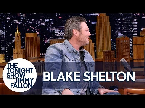 Blake Shelton And Kelly Clarkson Made Adam Levine Cry On New Year's Eve Mp3