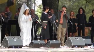 Muzikál Ať žijí duchové - ukázky písniček - Hajný je lesa pán
