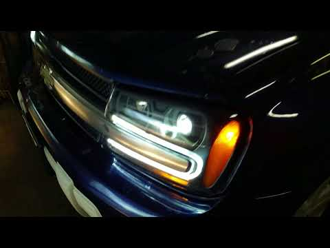 Testing Projector LED Headlights in 2003 Chevrolet TrailBlazer with Quad Beams and Auto Fogs