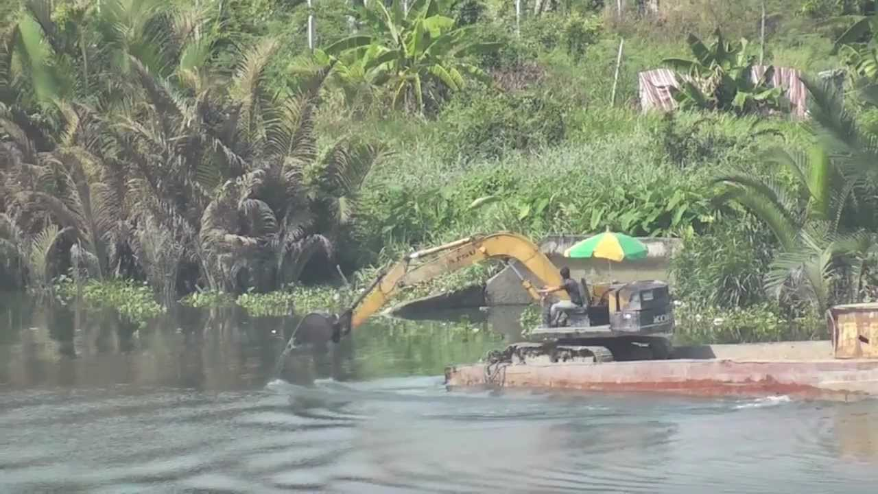 Can An Excavator Really Row A Freaking Boat?