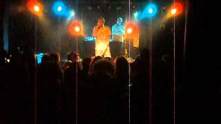 preview picture of video 'Mecna - [Areoplani]  - Live @ Seregno 06/04/2013'