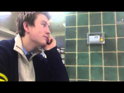 Cum sa flirtezi cu un barbat wikihow