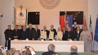 preview picture of video 'Cerimonia di firma del Patto d'amicizia tra Assisi e Monte Sant'Angelo'
