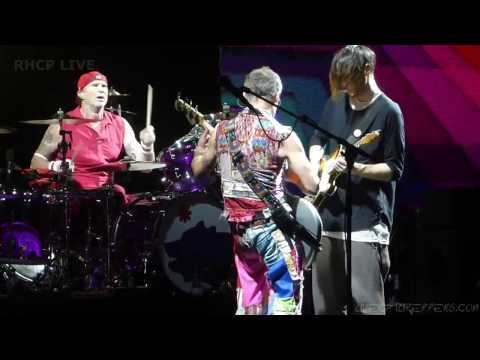 Red Hot Chili Peppers - Parallel Universe - Philadelphia 2017 [Multi-Cam] (SBD audio)
