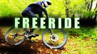 Фрирайд на велосипеде в лесу . проба слайдера для съемки видео