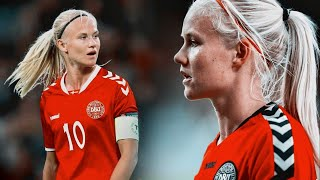 Pernille Harder || Girl on fire ⚽