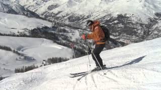 Смотреть онлайн Горные лыжи: как кататься по буграм
