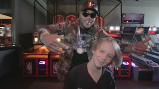 Flo Rida Surprises 9 Year-Old Super Fan!