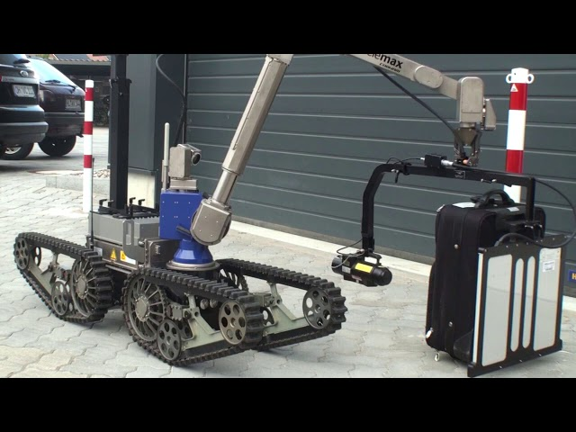 Robot integration with telemax