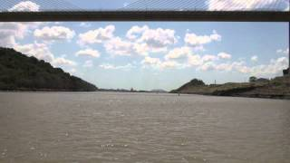 Sailing through the Panama Canal in 10 minutes