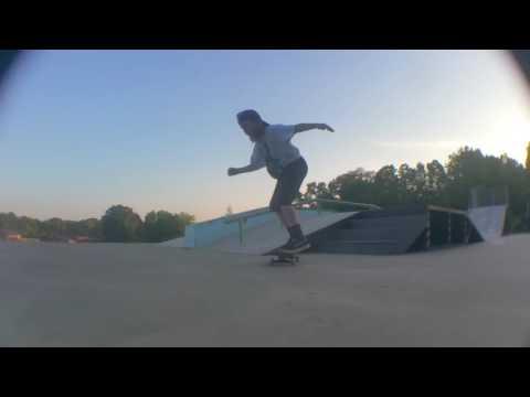 Ric Robertson shreds Jacksonville, Alabama Skatepark!