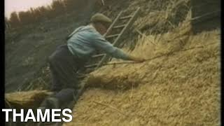How to Thatch a roof | Roof Thatcher | Finding out | 1973