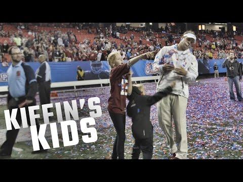 Watch Lane Kiffin celebrate Alabama's win over Washington with his kids