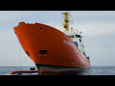 Fresh storm brews over fate of Aquarius migrant rescue ship