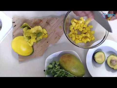 Cocinando Con Ivy - Como Preparar Una Ensalada De Mango Y Aguacate