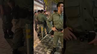 紅磡分區指揮官 鍾雅倫 精彩拘捕行動 其下屬大聲表示ouhk屬於公眾地方