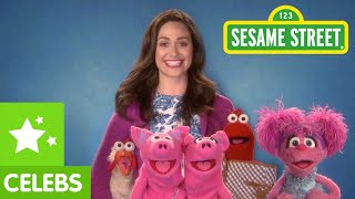Sesame Street: Abby And Emmy Rossum Stay Focused!