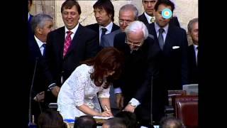 Asunción De Cristina Kirchner Jura Y Primer Discurso Como Presidenta 2007 Parte II Fragmento