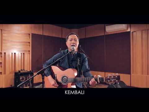 Lillahi Ta'ala - Sandhy Sondoro (Official Video Lyric)