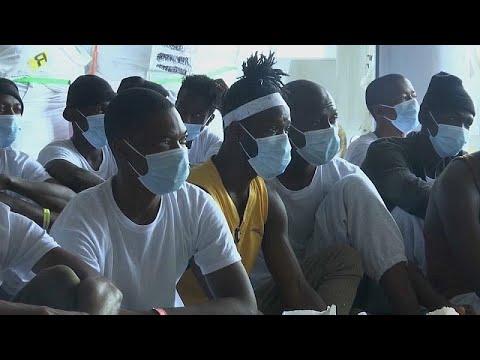 «Στη Λιβύη μας βασάνισαν φριχτά» υποστηρίζουν μετανάστες…