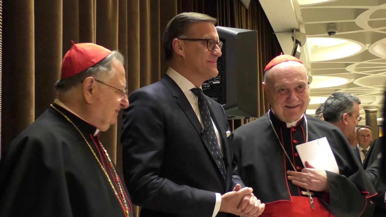 Nuova luce a San Pietro, cambia l'illuminazione nella basilica