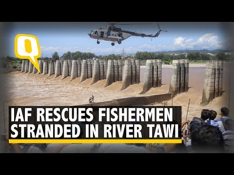 IAF Rescues 4 Fishermen Stranded in Jammu's River Tawi | The Quint