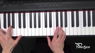 I Saw Mommy Kissing Santa Claus - Easy Piano Carols