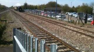 preview picture of video '30777 Sir Lamiel at Twyford Station, 21 Apr 2010'
