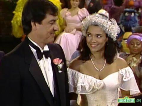 Classic Sesame Street - Maria and Luis' Wedding Day