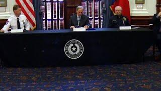 TX Gov: NYC, New Orleans travelers must quarantine