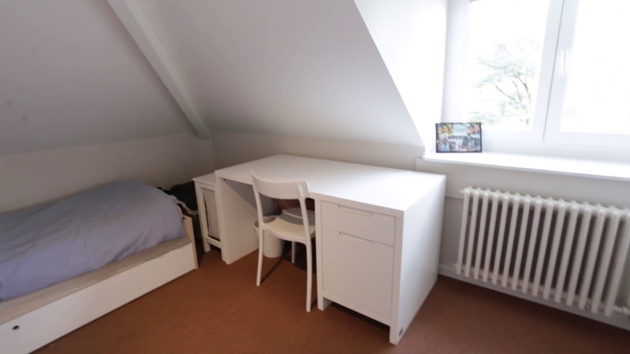 Rooms for rent in bright and modern 4-bedroom apartment in Woluwe-Saint-Pierre