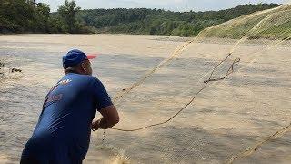 Удачная рыбалка кастинговой сетью.Приколы на рыбалке.