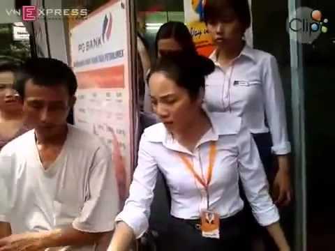 Trộm iPhone ở ngân hàng bị bắt sống còn gân cổ lên cãi