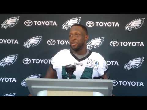 Stephen Tulloch meets the Philadelphia Eagles' press corps for the first time