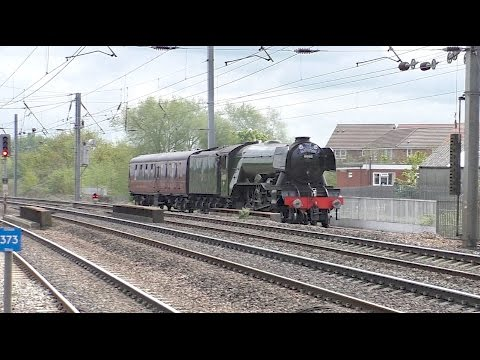 Flying Scotsman light engine, plus other trains at Retford 2…