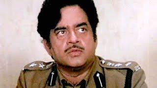 Shatrughan Sinha Chunky Moushumi Dharmendra Aag Hi Aag  Scene 14/18