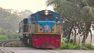 Dhaka Mail Train hauled by EMD locomotive of Bangladesh Railway || Chittagong to Dhaka